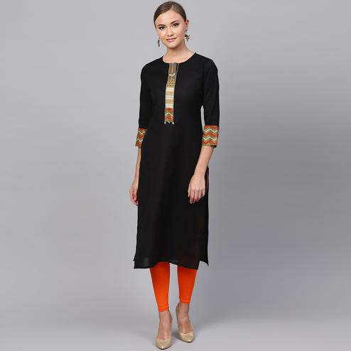 Prominent Black Colored Casual Wear Cotton Kurti