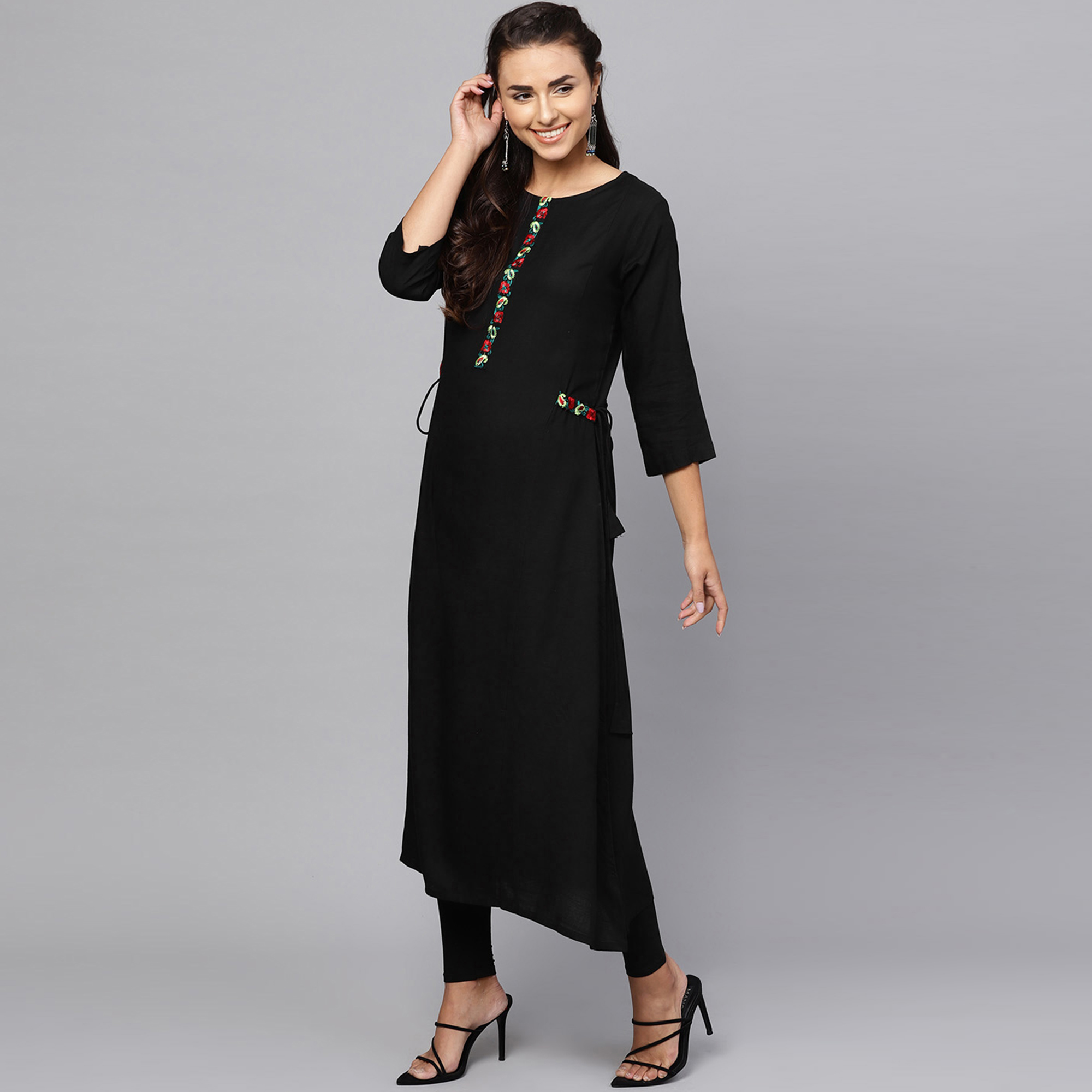 Blissful Black Colored Casual Wear Rayon Kurti