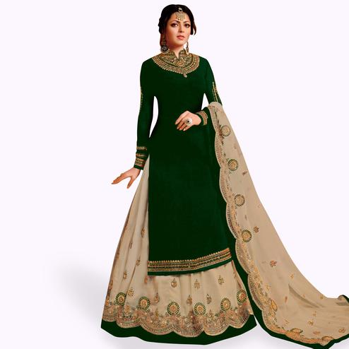 Engrossing Green Colored Partywear Embroidered Net Lehenga Kameez