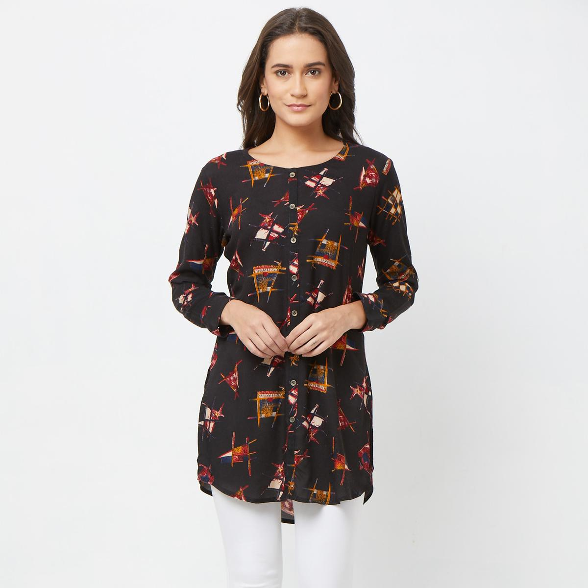 Entrancing Black Colored Casual Printed Rayon Kurti