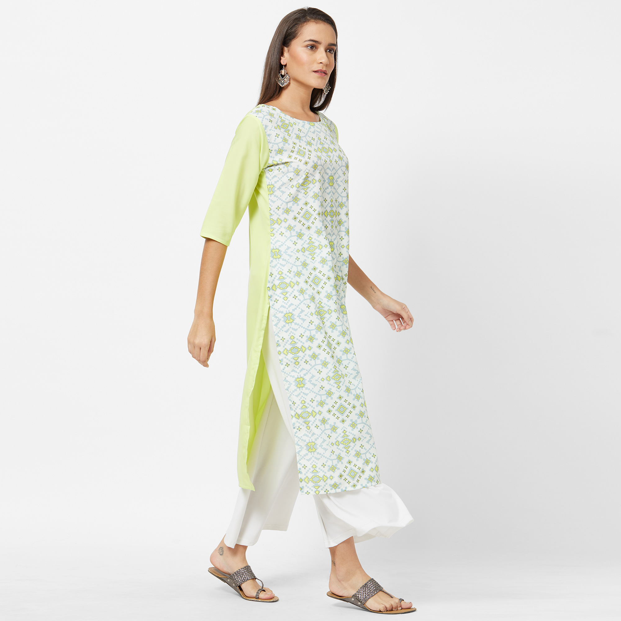 Excellent White Colored Casual Printed Crepe Kurti