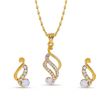 Gold plated stone studded pendant set with chain