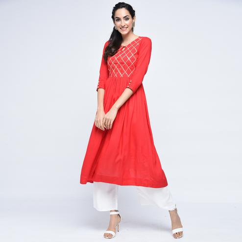 Delightful Red Colored Casual Printed Viscose Palazzo Suit