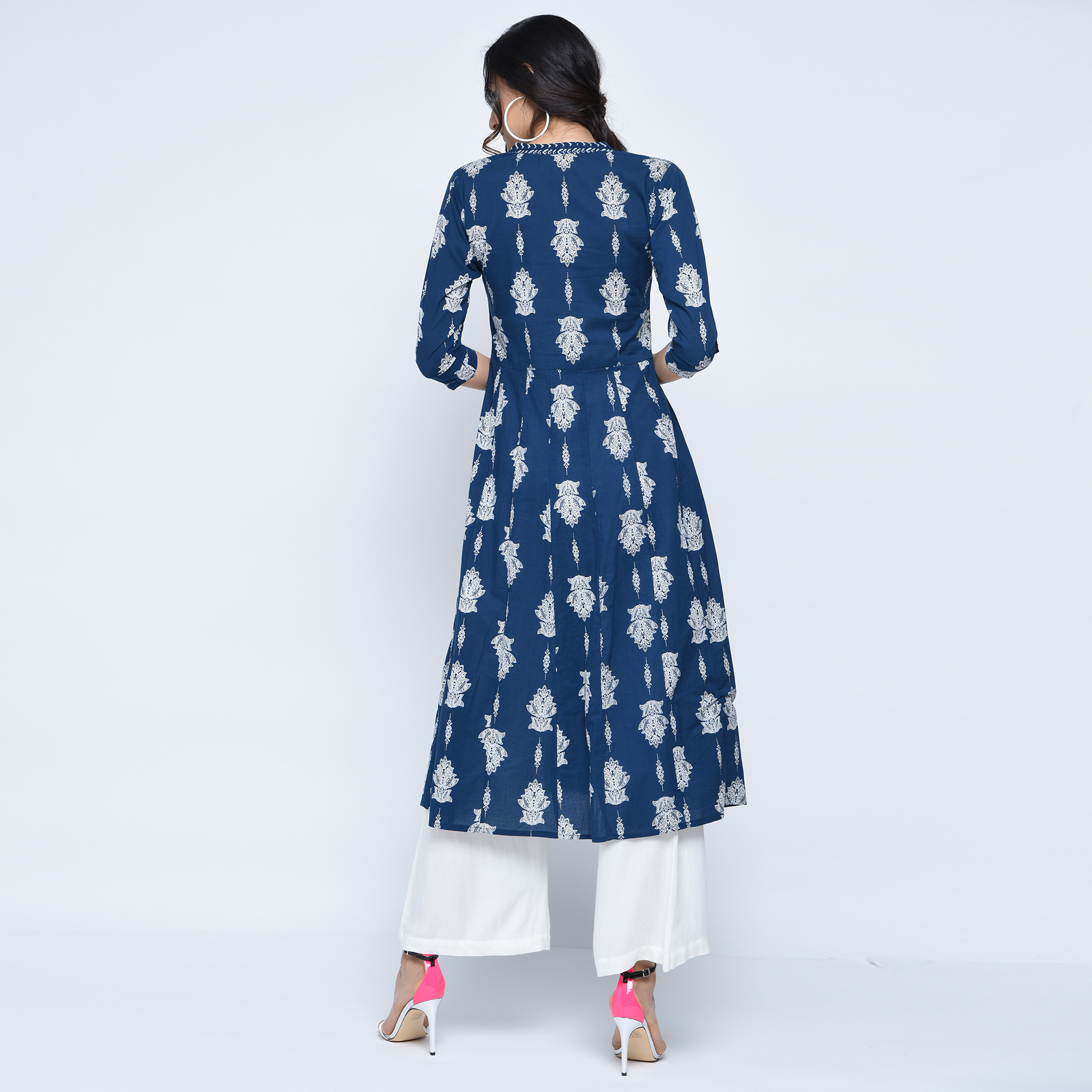 Ravishing Blue Colored Partywear Printed Cotton Kurti