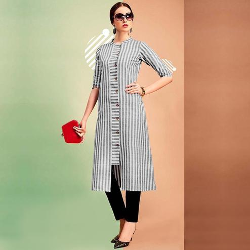 Appealing Gray Colored Casual Printed Cotton Kurti