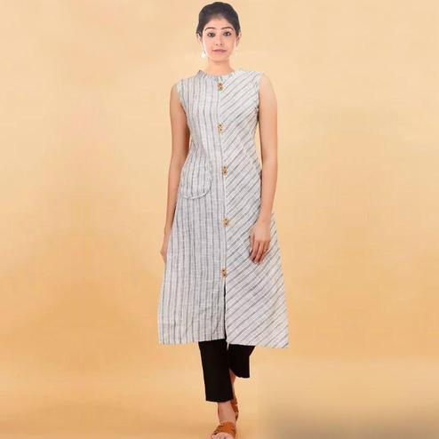 Stylish Off-White Colored Casual Printed Cotton Kurti