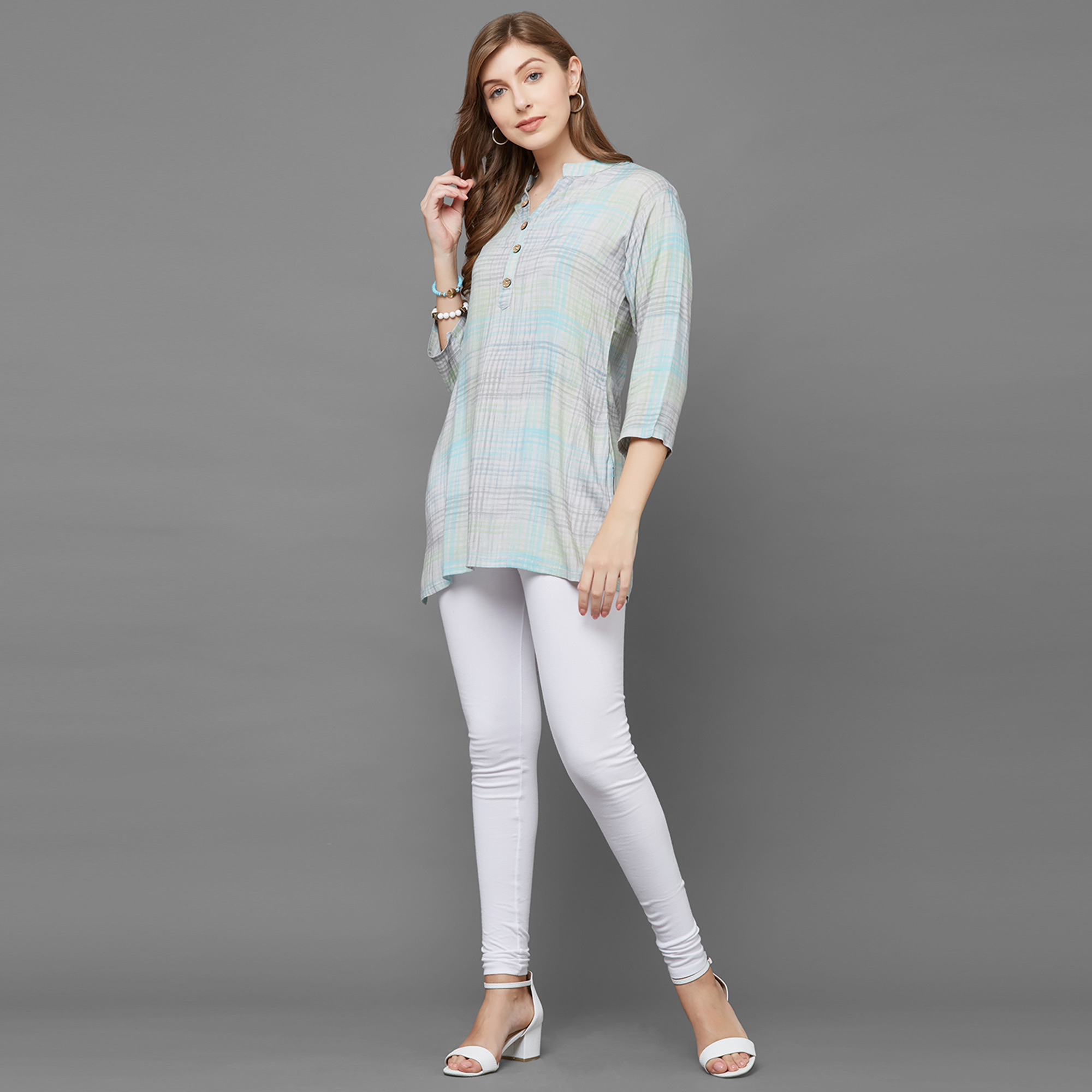 Eye-catching Blue Colored Casual Printed Cotton Top