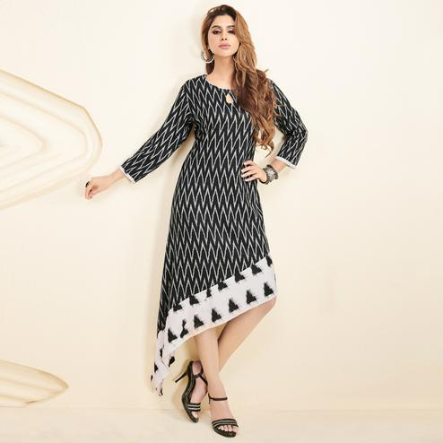 Ravishing Black Colored Partywear Printed Rayon Long Kurti