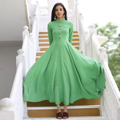 Imposing Green Colored Casual Wear Cotton Long Kurti