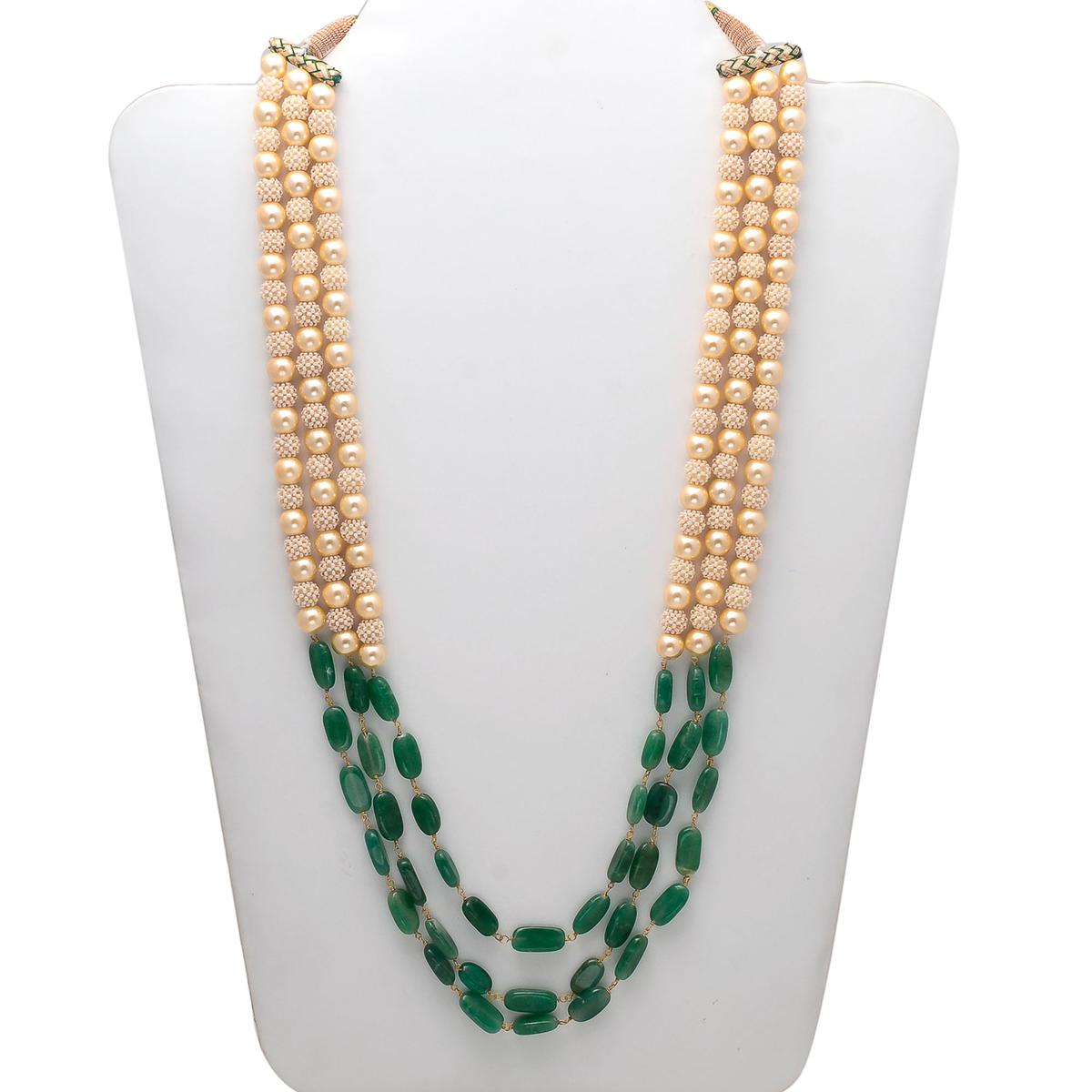 Adorable Necklace With Pearl & Green Colored Stones