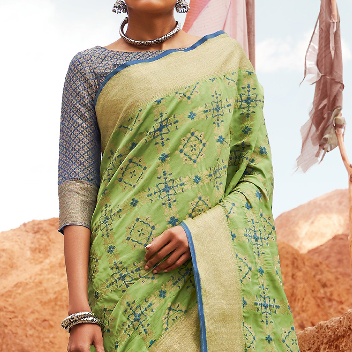 Engrossing Green Colored Festive Wear Woven Silk Saree