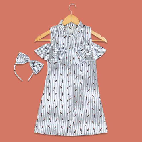 Engrossing White Colored Parrot Printed Collared Cotton Frock