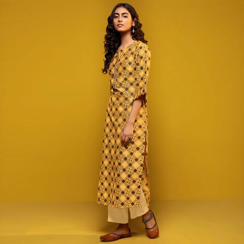 Refreshing Yellow Colored Casual Printed Cotton Silk Kurti-Bottom Set