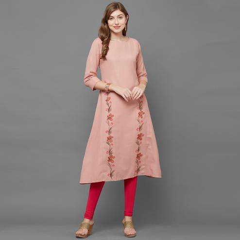 Mesmeric Peach Colored Casual Printed Cotton Kurti