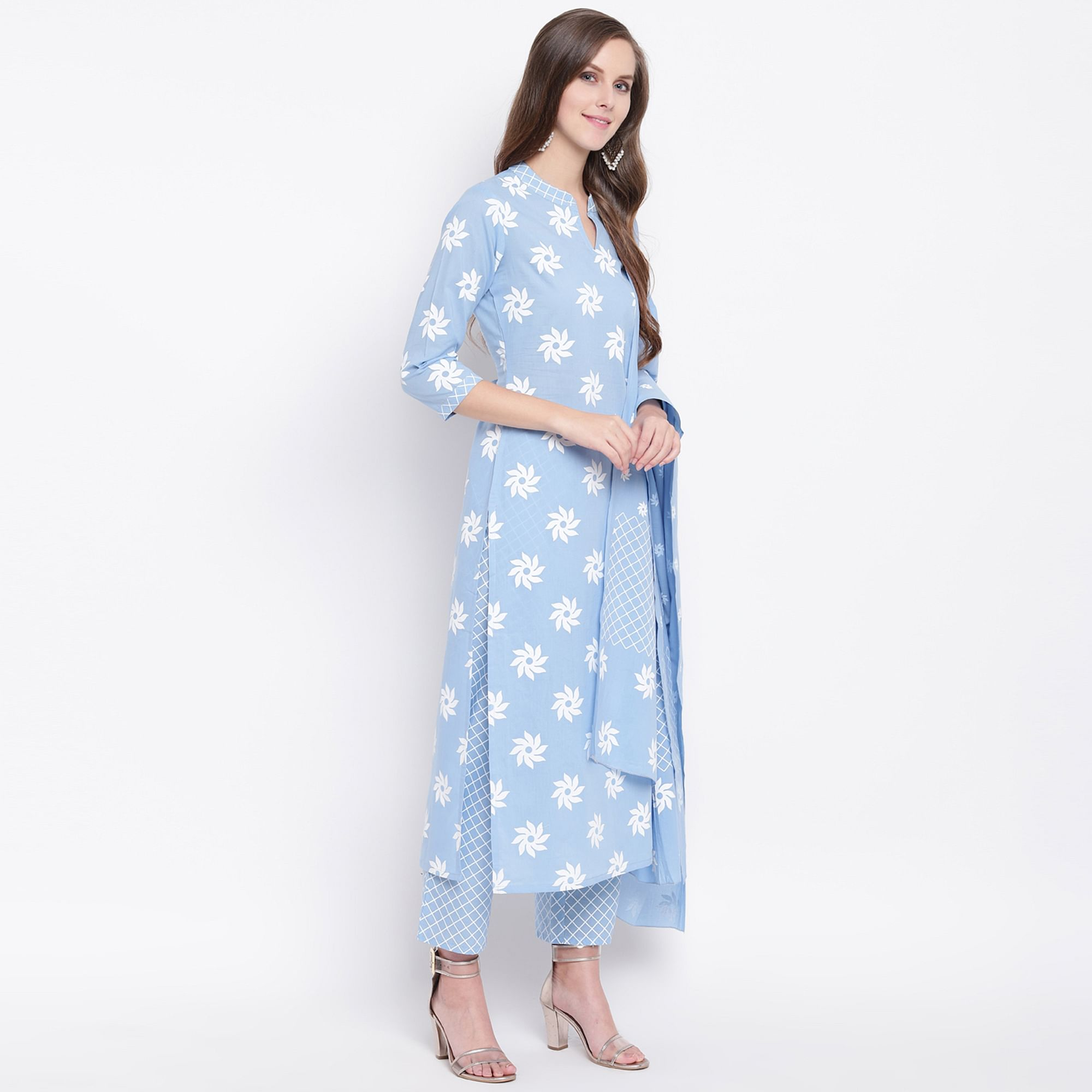 Imposing Blue Colored Casual Floral Printed Cotton Suit