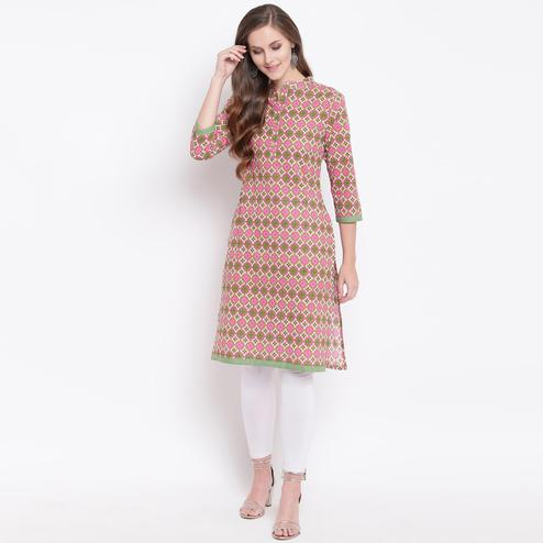 Exceptional Pink Colored Casual Printed Cotton Kurti