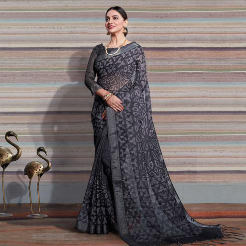 Engrossing Black Colored Casual Digital Printed Linen Saree