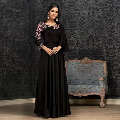 Prominent Black Colored Partywear Embroidered Georgette Gown
