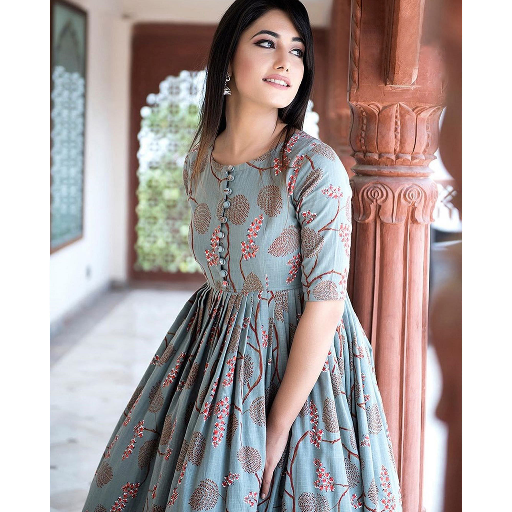 Arresting Grey Colored Casual Printed Pure Muslin Gown