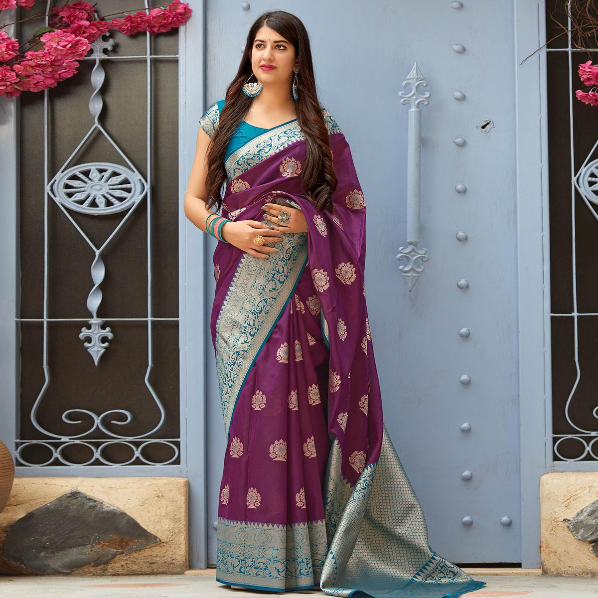 Captivating Purple Colored Festive Wear Woven Banarasi Silk Saree