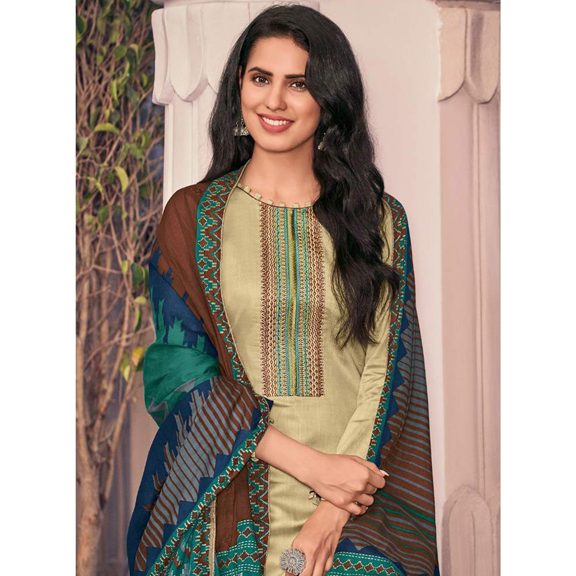 Magnetic Beige Casual Embroidered Pure Jam Silk Suit