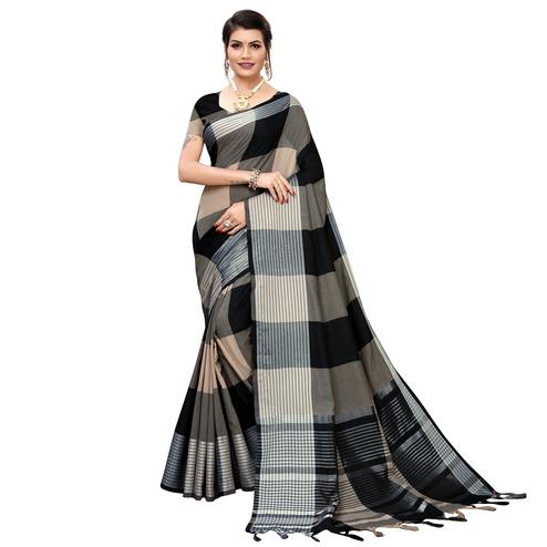 Graceful Black Colored Festive Wear Printed Cotton Silk Saree
