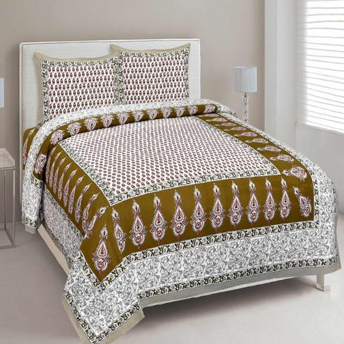 Unique White-Mahendi Green Colored Printed Cotton Double Bedsheet With Pillow Cover Set