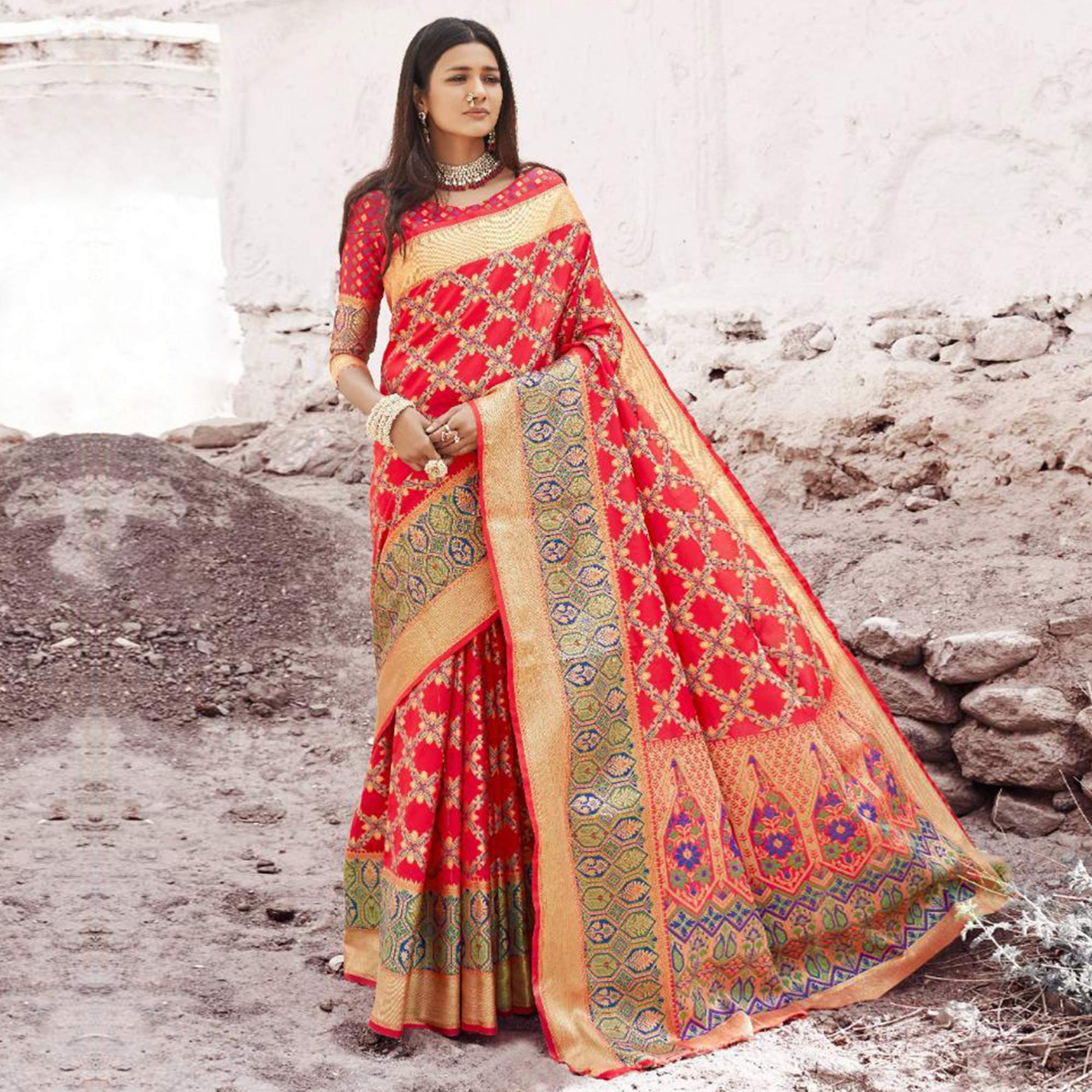 Majesty Red Colored Festive Wear Woven Silk Saree
