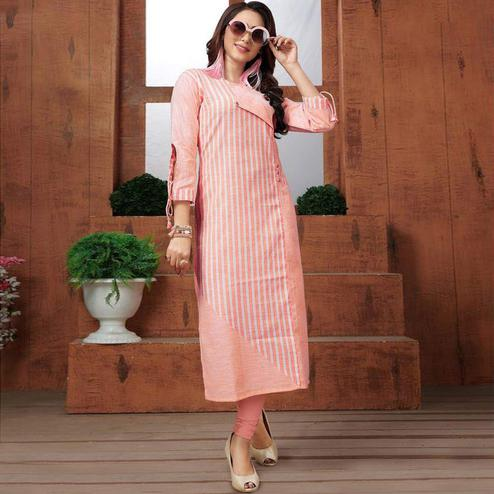 Mesmeric Peach Colored Casual Printed Cotton Long Kurti