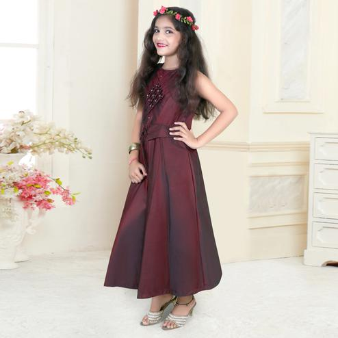 Lovely Maroon Colored Partywear Sleeveless Tapetta-Satin Gown