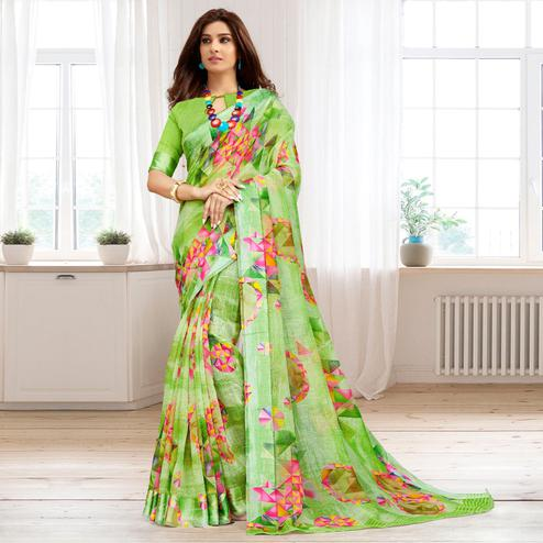 Blooming Green Colored Casual Printed Cotton Saree