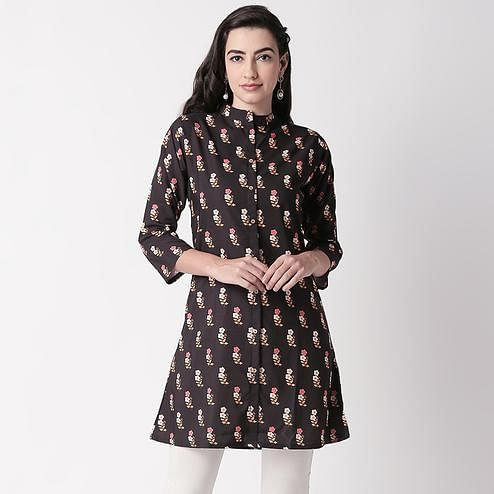 Hypnotic Black Colored Casual Floral Printed Crepe Short Kurti
