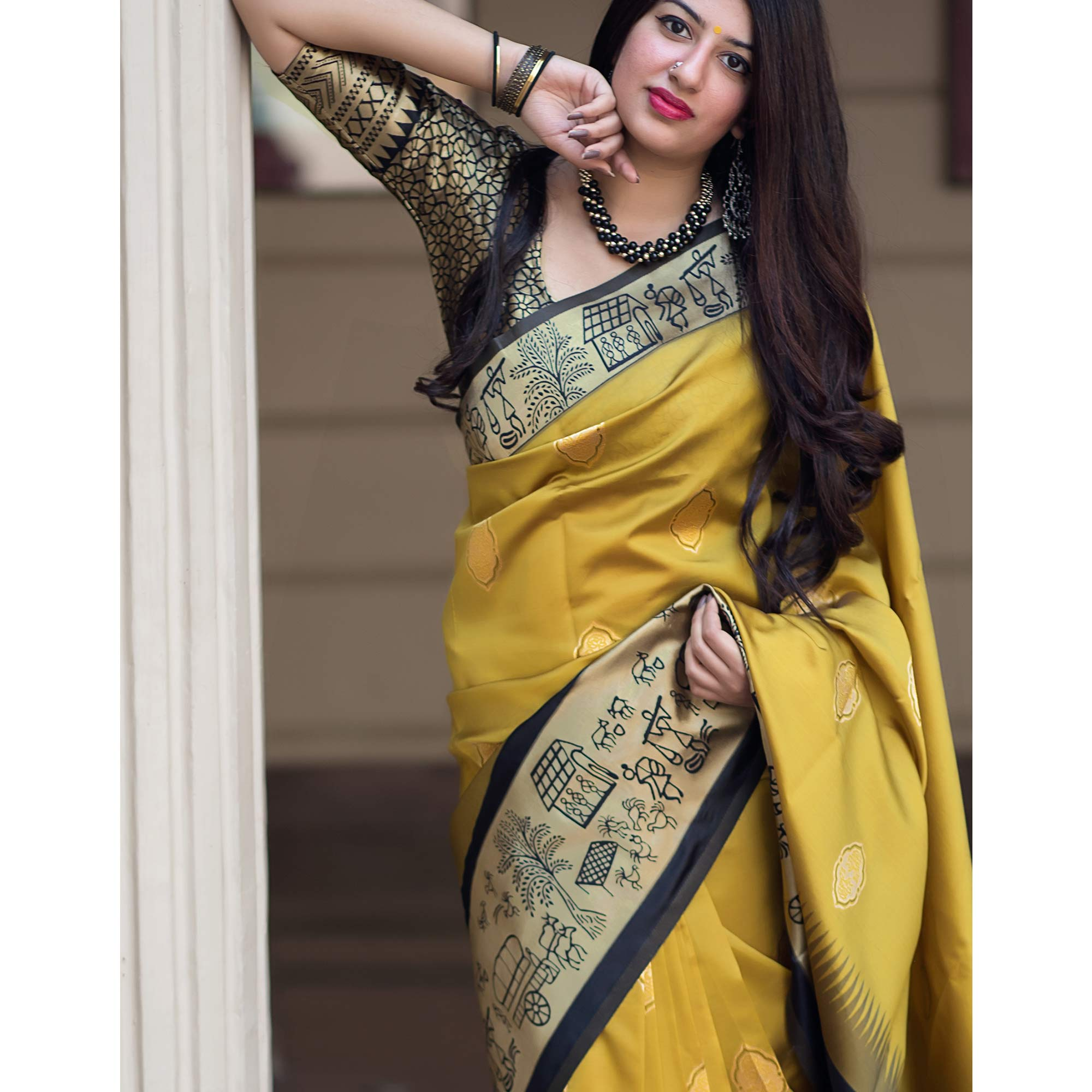 Magnetic Lemon Yellow Colored Festive Wear Woven Banarasi Silk Saree