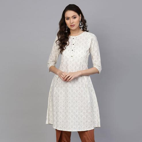 Innovative Off White Colored Casual Printed Cotton Kurti