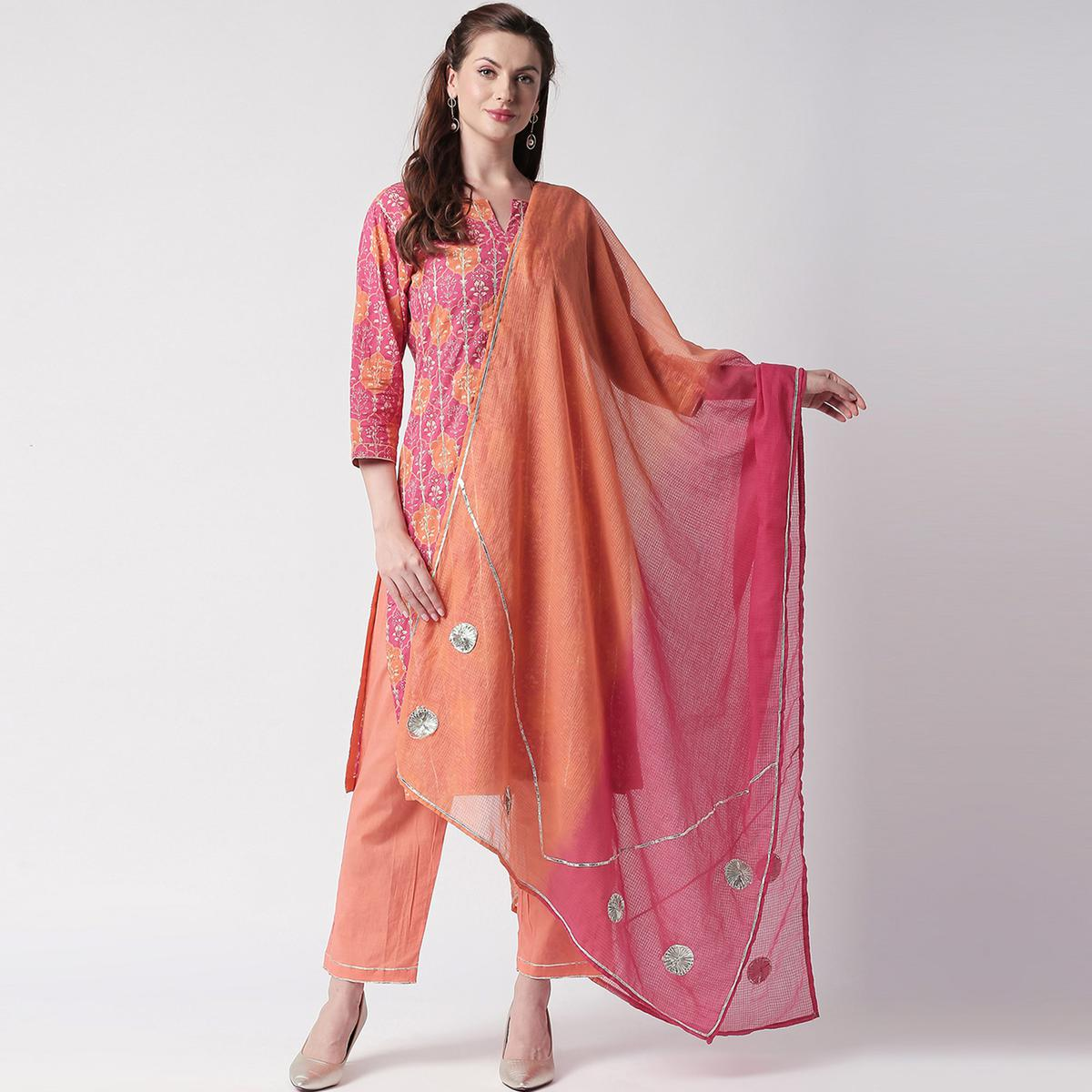 Eye-catching Pink Colored Casual Printed Cotton Suit