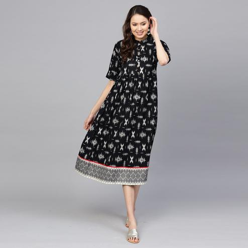 Delightful Black Colored Casual Wear Printed Cotton Kurti