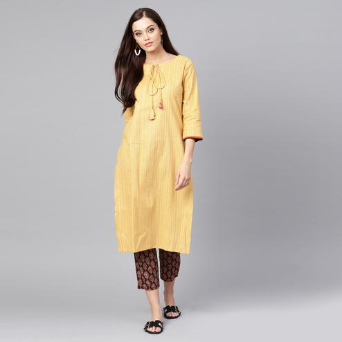 Blooming Yellow-Brown Colored Casual Wear Printed Cotton Kurti-Pant Set