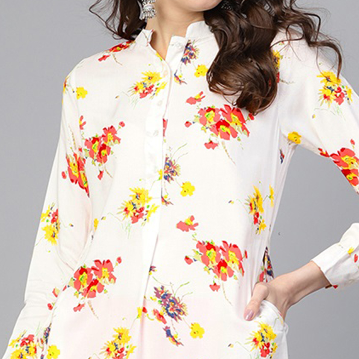 Blooming Off White Colored Casual Wear Floral Printed Viscose-Rayon Kurti