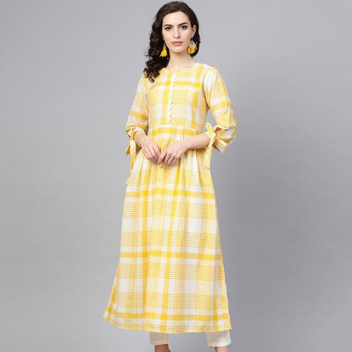 Eye-catching Yellow Colored Casual Wear Printed Cotton Kurti