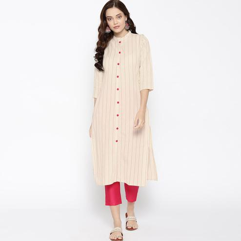 Eye-catching Cream Colored Casual Wear Printed Cotton Kurti