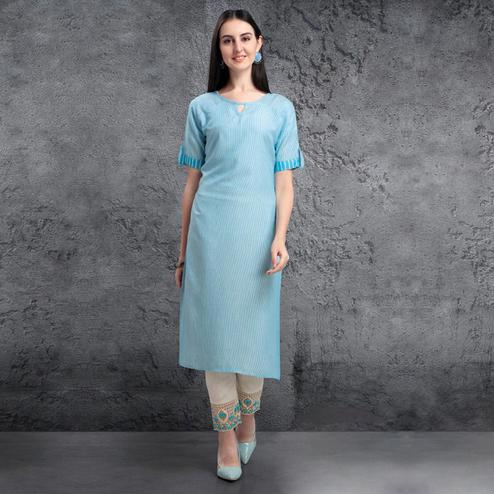 Unique Sky Blue Colored Casual Wear Cotton Kurti-Pant Set