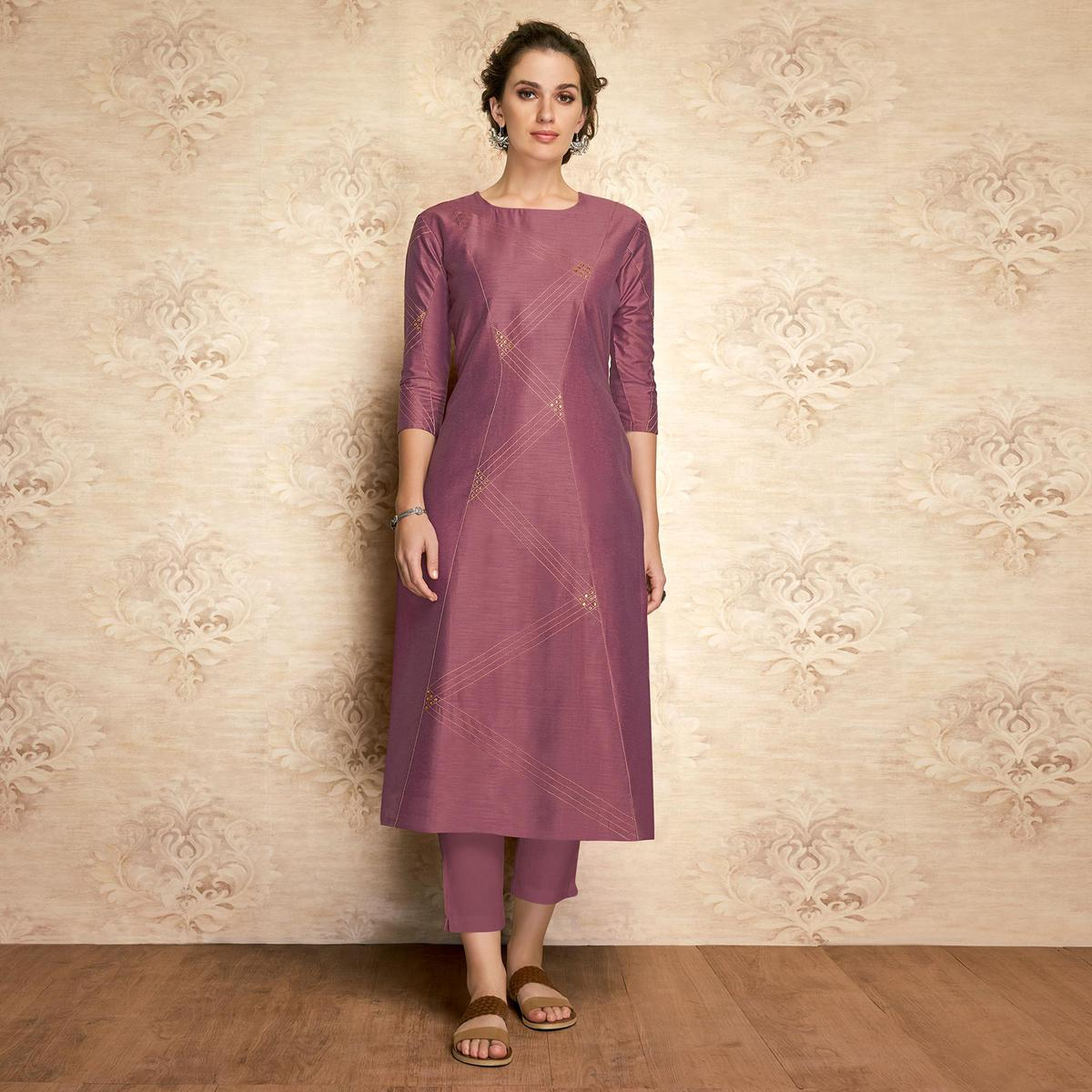 Sophisticated Mauve Colored Partywear Embroidered Viscose Kurti