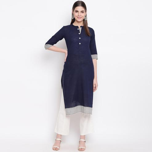 Jazzy Navy Blue Colored Casual Wear Printed Cotton Kurti