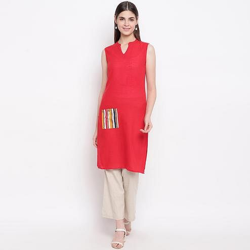 Beautiful Coral Red Colored Casual Wear  Cotton Kurti