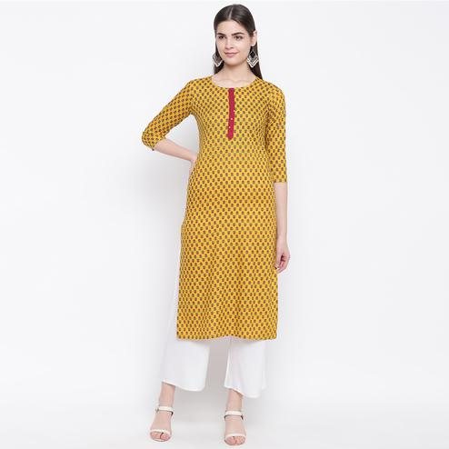 Beautiful Yellow Colored Casual Wear Printed Cotton Kurti