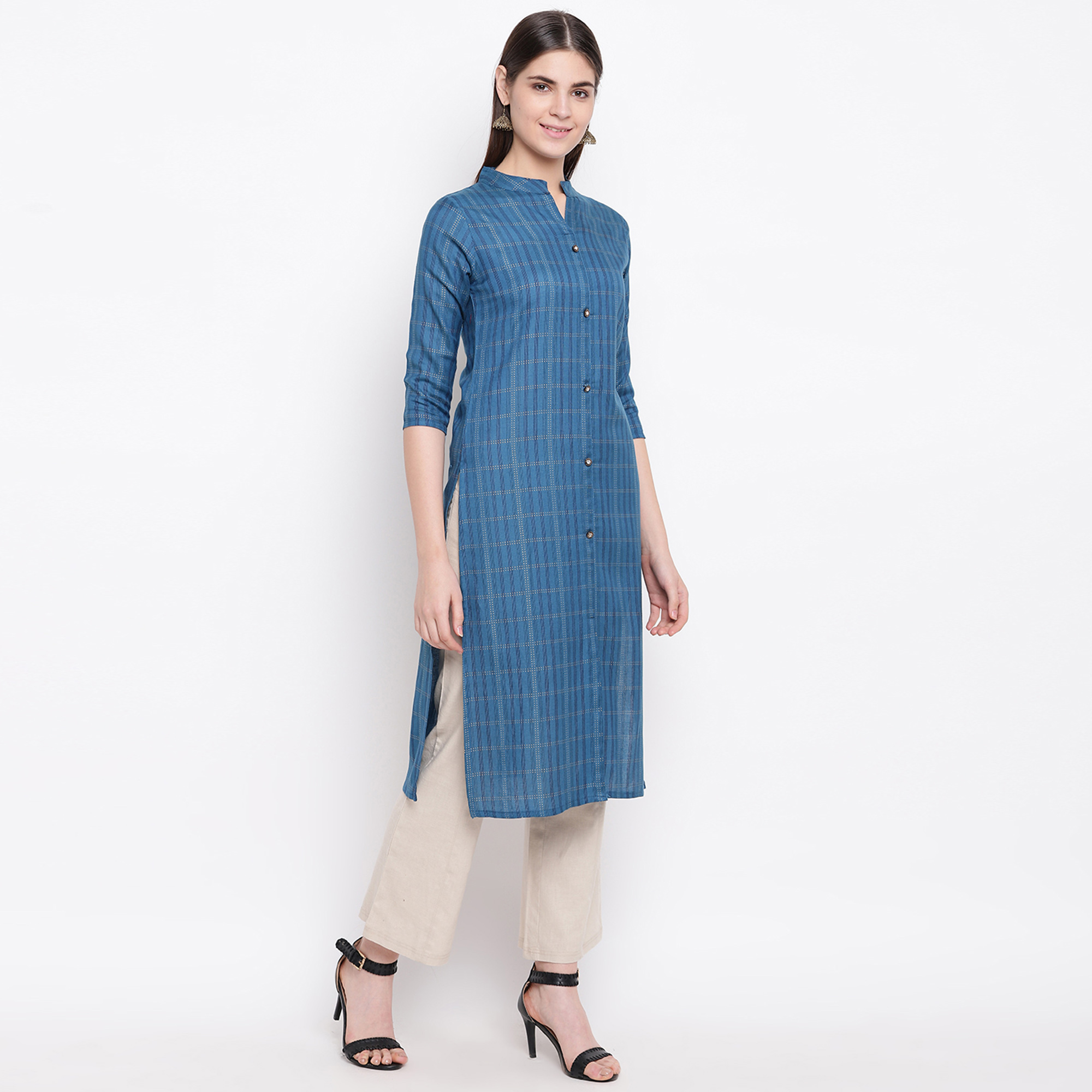 Blooming Blue Colored Casual Wear Printed Cotton Kurti