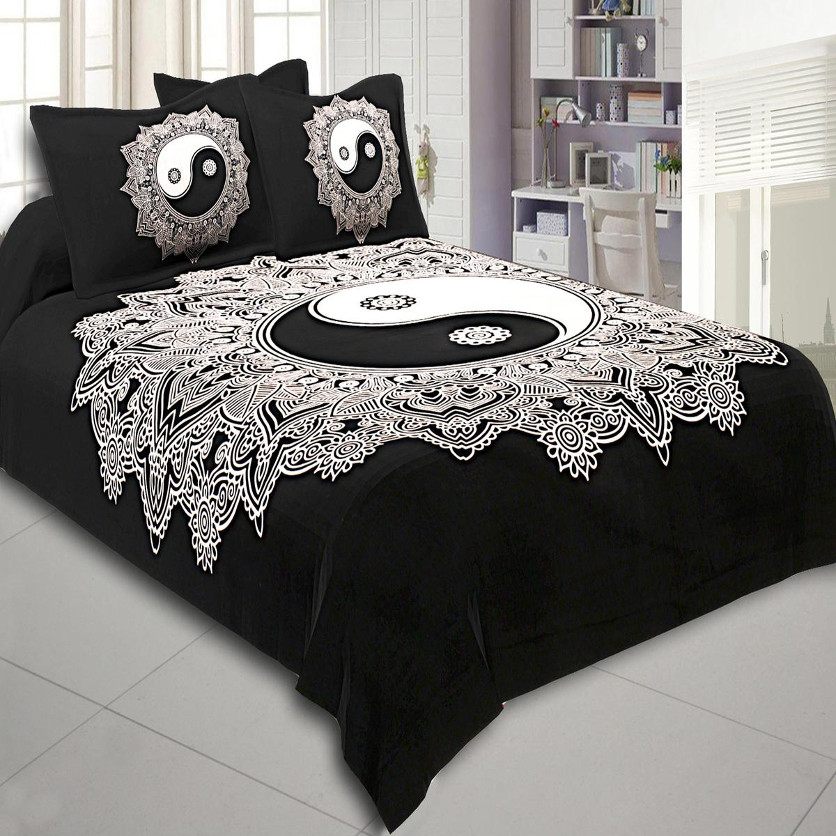 Delightful Black-White Colored Doordarshan Print Cotton Double Bedsheet With Pillow Cover