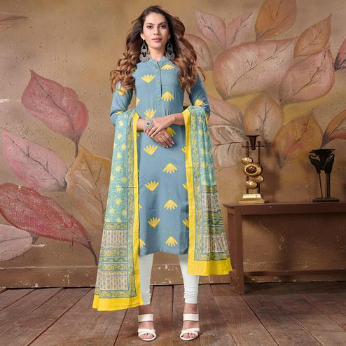 Alluring Blue Colored Casual Floral Printed Cotton Kurti With Dupatta