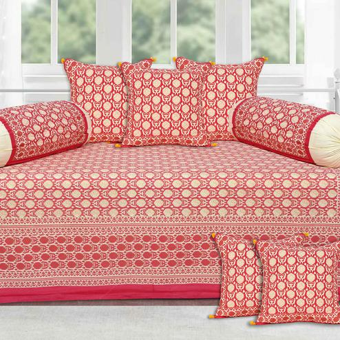 Engrossing Pink Base Cream Flower With Golden Print Diwan Set