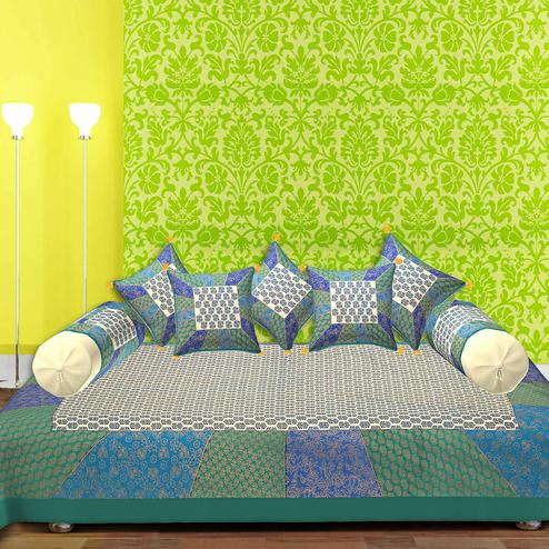 Hypnotic Green Border With Golden Print Central Square Floral Print Super Fine Cotton Diwan Set